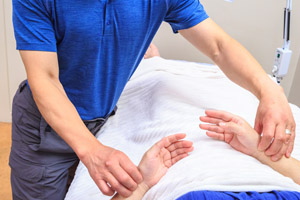 6 Benefits of Toyohari Acupuncture: A Japanese Meridian Therapy